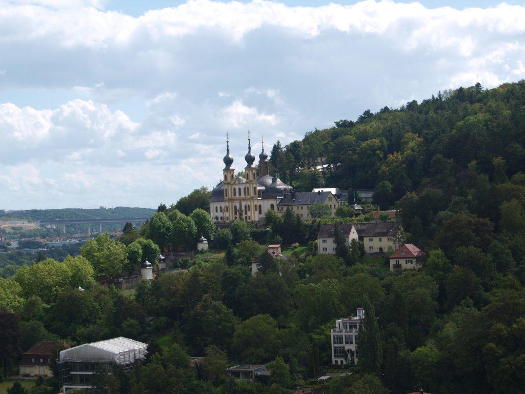 Blick von der Festuhng aufs Würzburger Käppele
