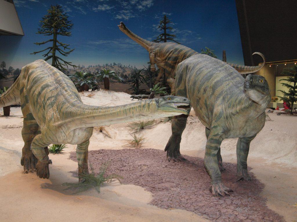 Dinosaurierskulptur im Naturkundemuseum Stuttgart
