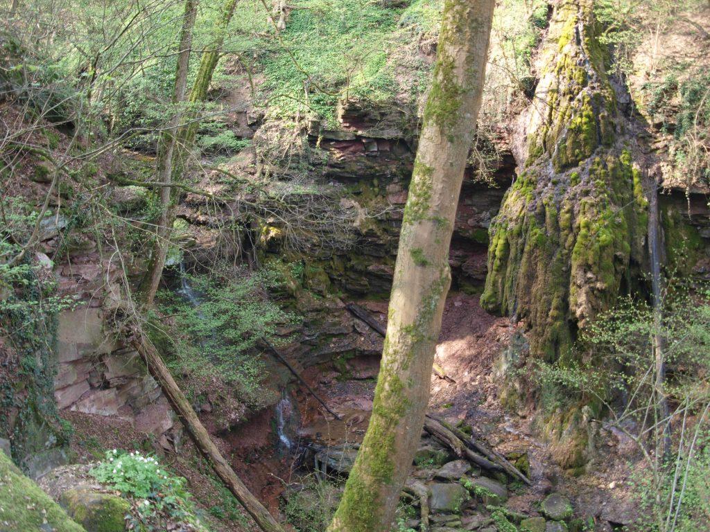 """""""Wasserfall"""" Triefender Stein"""